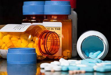 Thuốc methocarbamol là gì? và 10 điều cần ghi nhớ