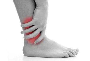 Đau khớp cổ chân chớ nên xem thường