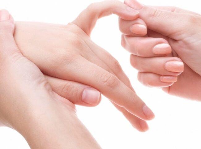 Bấm huyệt bàn tay là gì?