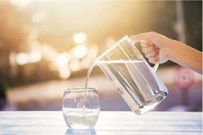 Uống nhiều nước trước và sau khi chụp xạ hình xương